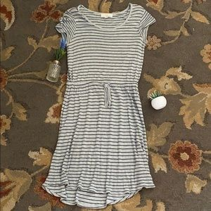 Striped black and grey dress with waist adjuster
